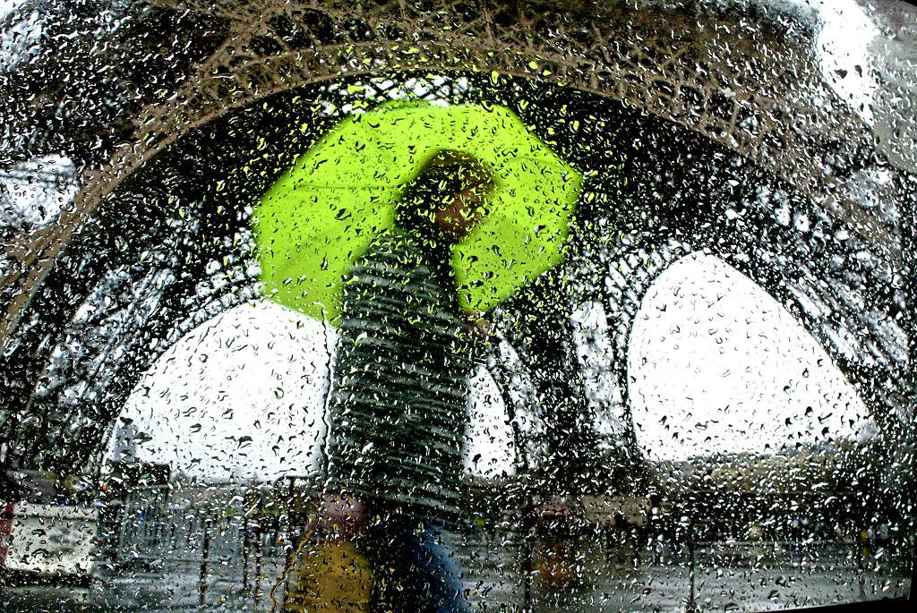 Париж под дождём