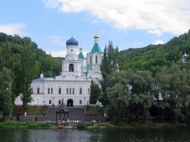 Свято-Покровский храм.Свято-Успенская Святогорская Лавра