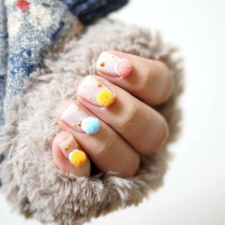 ногти-с-помпонами-pom-pom-nails-фото3.jpg