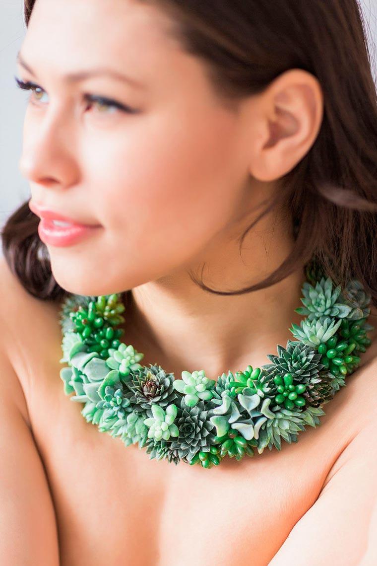 Living Jewelry - Designer turns delicate living plants into jewelry