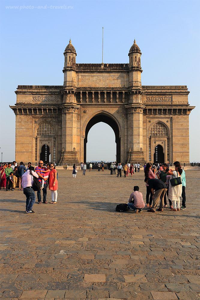 28. Арка «Ворота в Индию» - один из символов Мумбаи. Отчет туристов из Москвы о поездке дикарем в Мумбаи и на Гоа (24-70, 1/200, 0eV, f9, 32 mm, ISO 100)