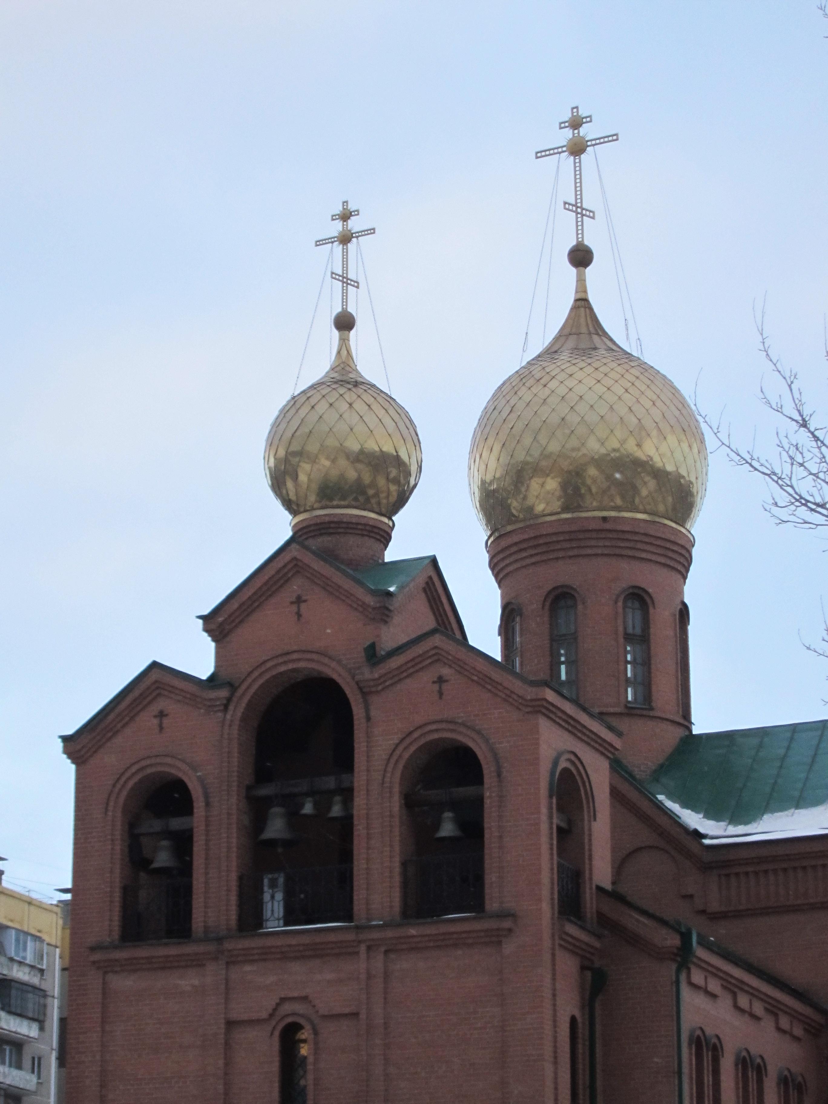 Вид на колокольню и купола (26.05.2015)