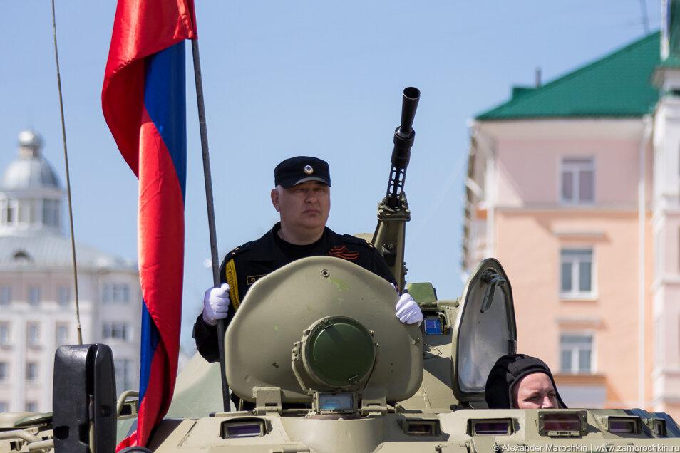 БТР на параде в Саранске
