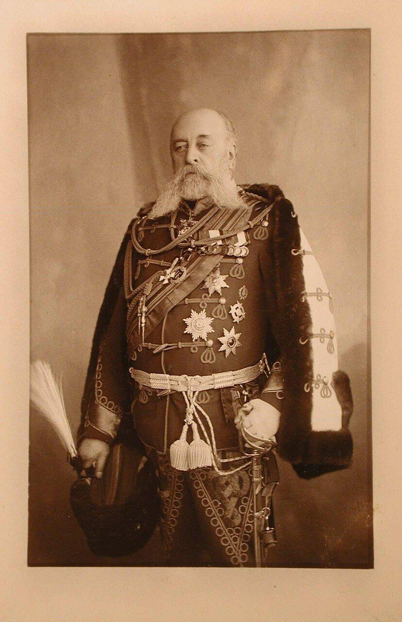 Манзей Константин Николаевич (1821—1905) — генерал-адъютант, генерал от кавалерии, из тверских дворян шотландского происхождения
