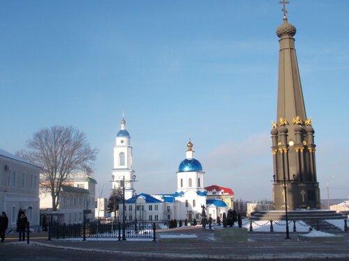 Малоярославец. Собор Казанской иконы Божией матери  и Монумент славы