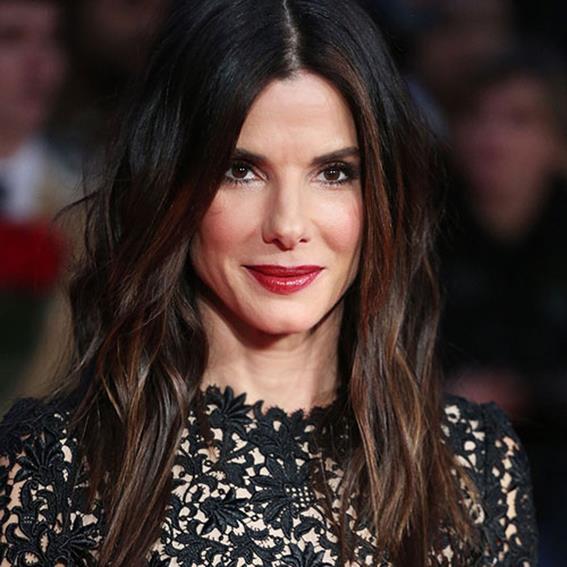 10 знаменитостей, которые выглядят значительно моложе своего возраста