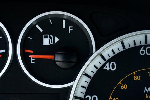 Fuel-Gauge-Arrow-iStock.jpg