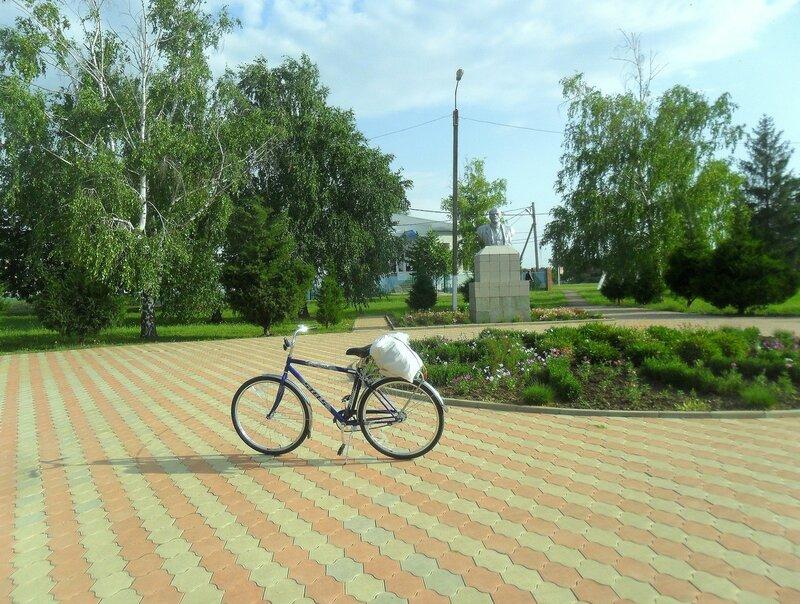 В станице Стародеревянковской, остановка ... SAM_8128.JPG