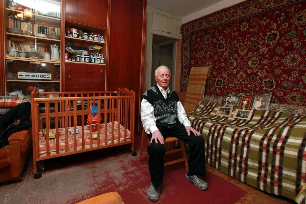 Георгий Парул служил в пехоте с декабря 1943 по май 1945 года. Закончил войну в городе Бургас, Болгария