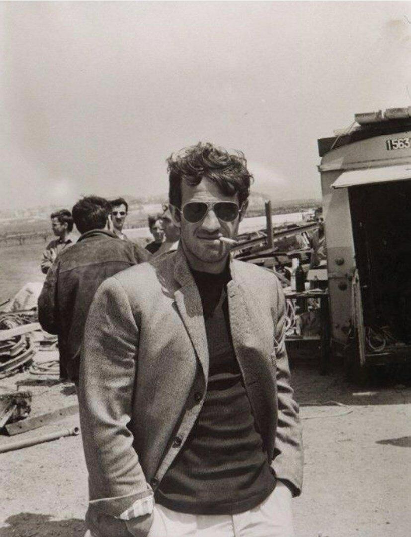 1965. Жан-Поль Бельмондо на съемках фильма Безумный Пьеро