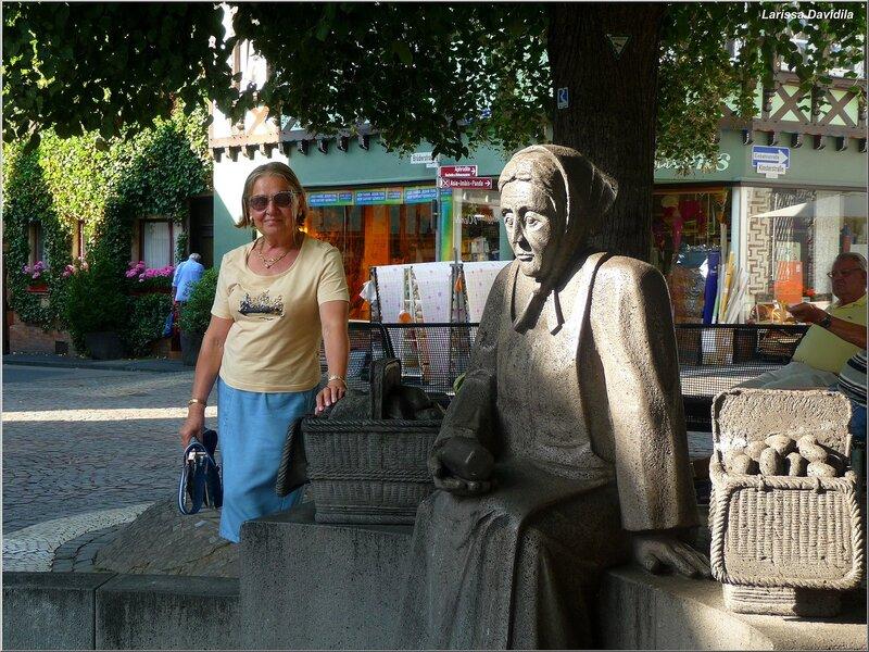 """Скульптура """"Рыночная торговка"""". Линц."""