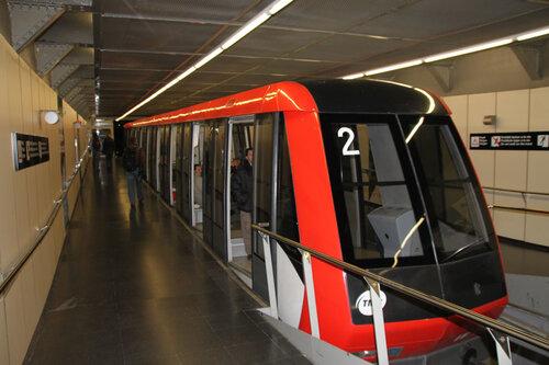 Поезд-метро до замка
