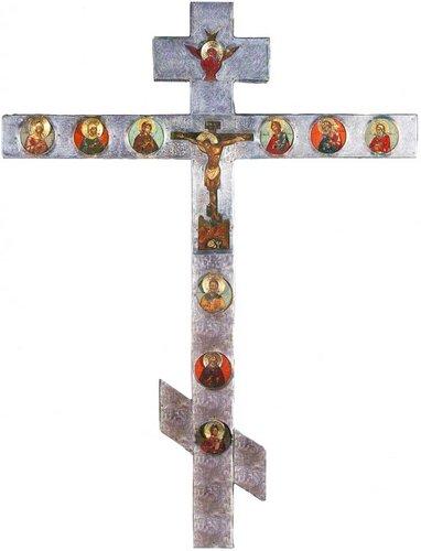 Крест запрестольный. Конец XVII века. Происходит из ростовского Борисо-Глебского монастыря на Устье. Дерево, темпера; серебро, гравировка.