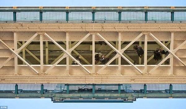 В Лондоне открывается прозрачный мост с видом на реку Темза 0 12cfa0 c9b010dd orig