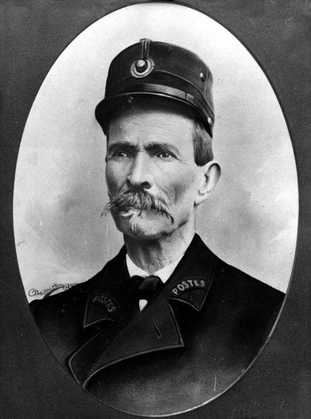 1. Фердинан Шеваль родился в небогатой крестьянской семье и с детства помогал отцу в работе, поэтому