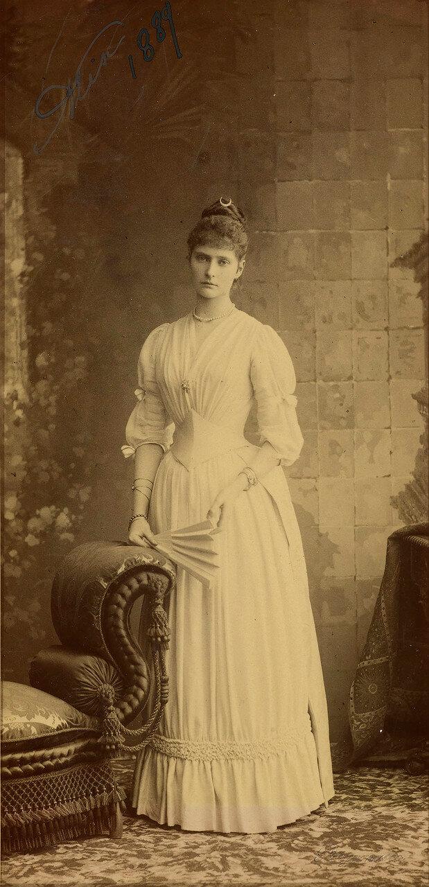 1889.  Принцесса Виктория Алиса Елена Луиза Беатриса Гессен-Дармштадтская