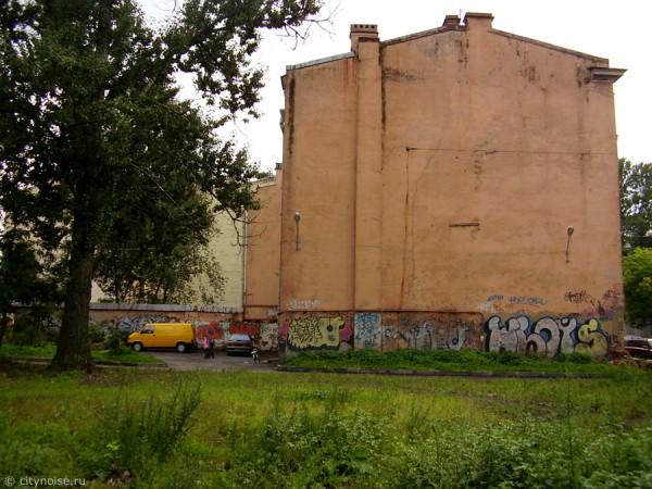 Graffiti на Черняховского, 15