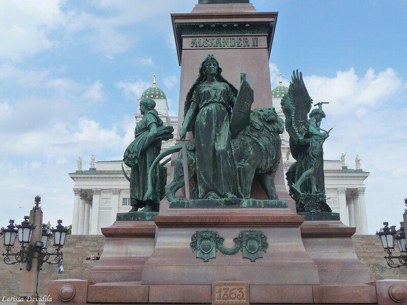 Памятник Александру II на Сенатской пл. Хельсинки.