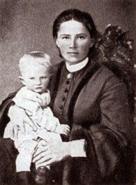 Софья Васильевна Ковалевская с дочерью Софьей.jpg