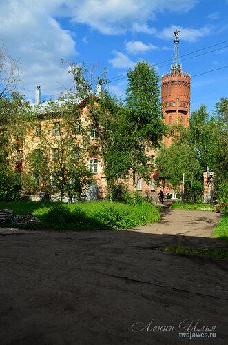 Фото города Инта №7839  Социалистическая 4а и башня 21.06.2015_14:52