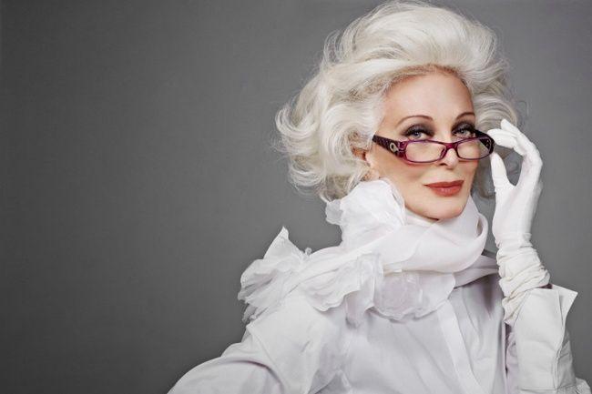 14. Кармен Делль`Орефайс, 84 года Сложно поверить, но в свои годы эта модель по-прежнему находится н