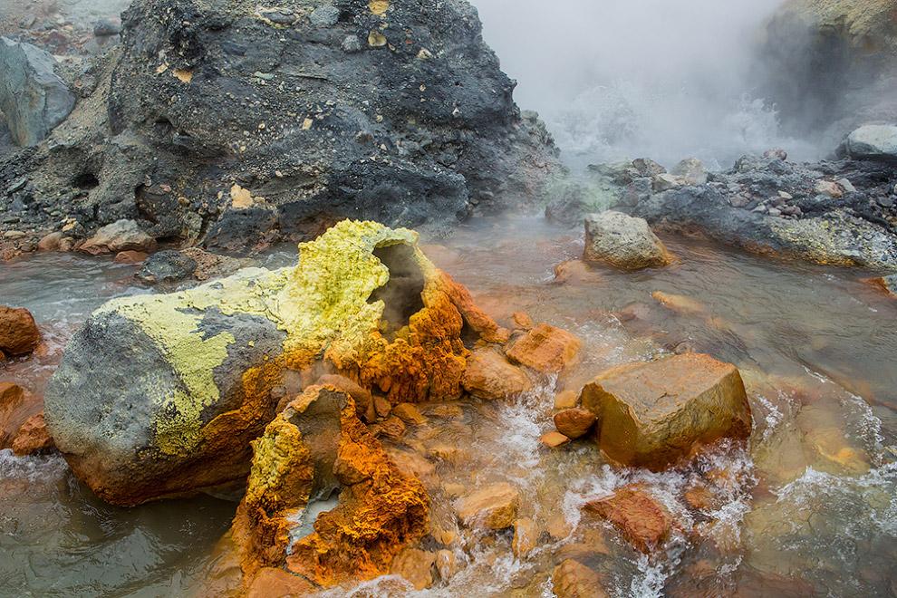 12. Но на пути к нему заглянули в каньон Опасный, где находится самый большой на Камчатке водопад.