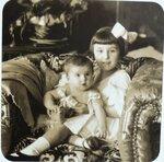 Анна с сестрой Мариной 1918