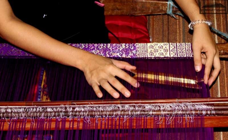 Индонезия, сонгкет, ткацкий поясной станок
