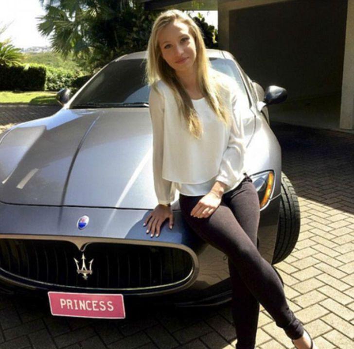 Принцессе инстаграма стыдно признаться, на что она тратит кучу денег