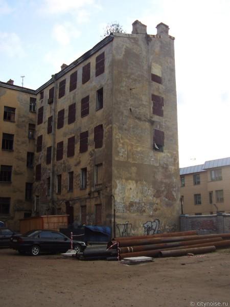 11-я Красноармейская, 7, заброшенные здания