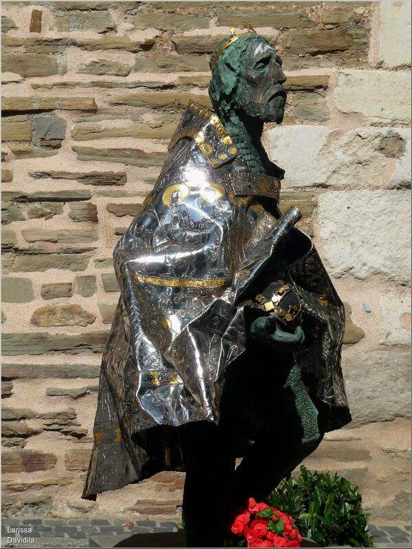 Статуя первого короля Венгрии Стефана I (969-1038).