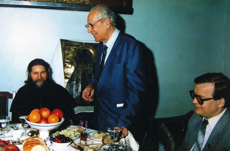Д. С. Лихачев в гостях у старообрядцев. Москва. 02.07.1987..jpg