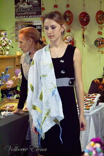 Сумка и шарф (валяние из шерсти) Анна Клевцова Букет весенних цветов...