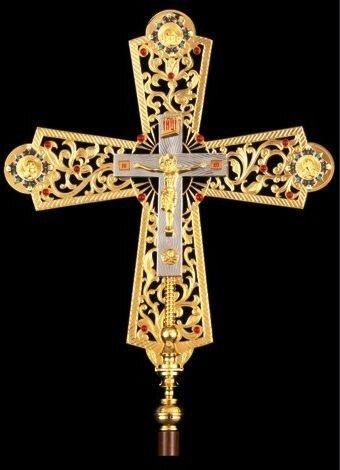 Крест-икона запрестольная выпиловка гравировка золочение с древками.