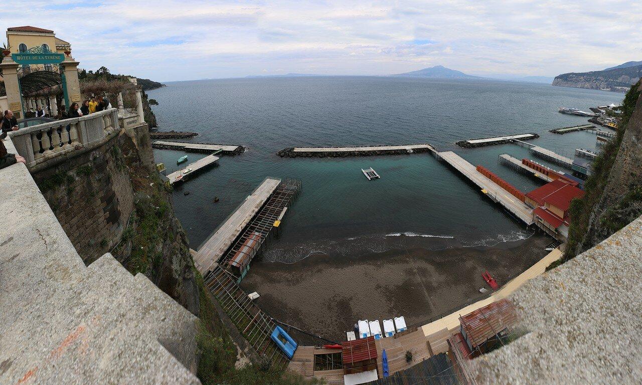 Sorrento. Marine terminal