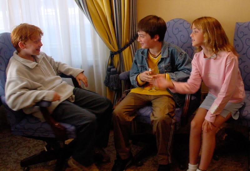 Руперт Гринт, Дэниел Редклифф и Эмма Уотсон впервые знакомятся перед съемками фильма «Гарри Пот