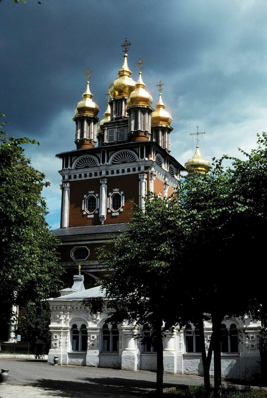 Загорск. Церковь Михаила Архангела