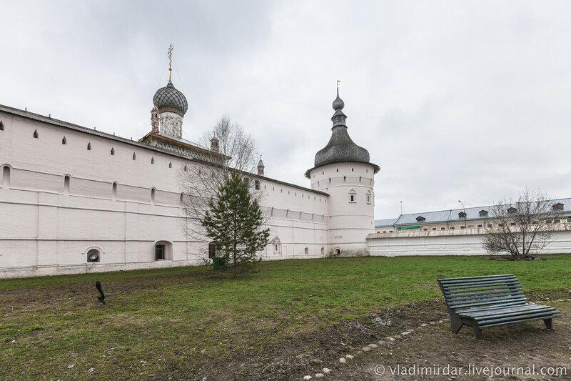 Стены Ростовского кремля