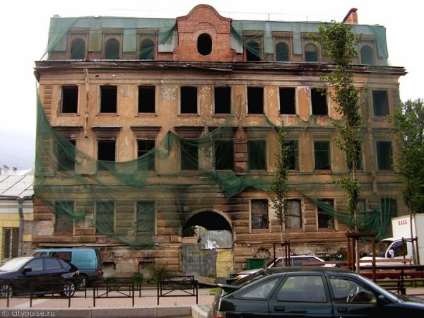 Заброшенный дом на Черняховского, 56