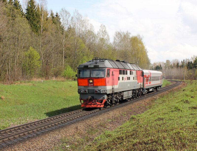 ТЭП70-0198 с пригородом 6459 Шаховская - Ржев на перегоне Бартенево - Зубцов