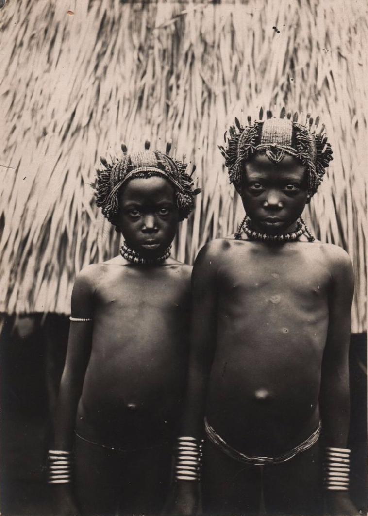 1912. Две девочки из Моссаба. Конго