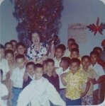 Анна Марли и детский хор на Рождество. США 1960-е гг.