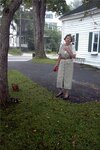 Соседка Анны Марли с её таксой Сэнди