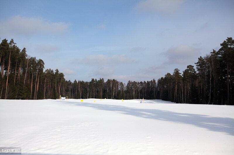 центральное поле гольф клуба зимой