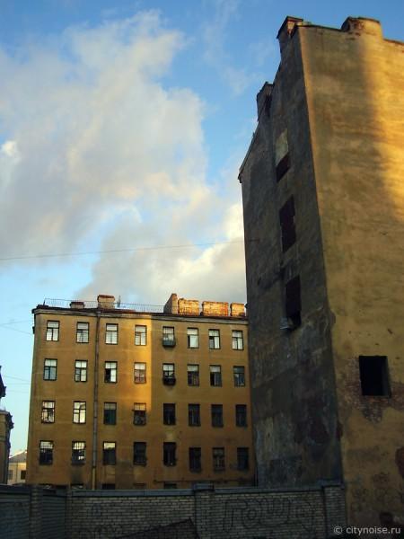 11-я Красноармейская, 7, заброшенные дома