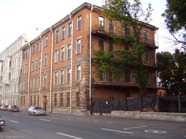 Заброшенный дом на наб. реки Фонтанки, 152