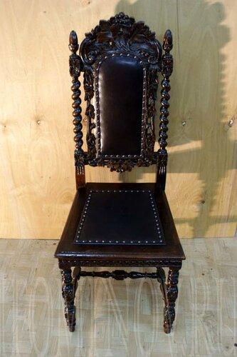 Голландский стул после реставрации. Где найти реставратора мебели?