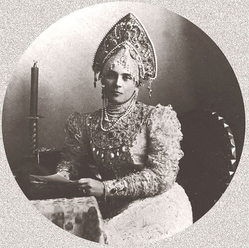 Княгиня Зинаида Николаевна Юсупова в русском костюме