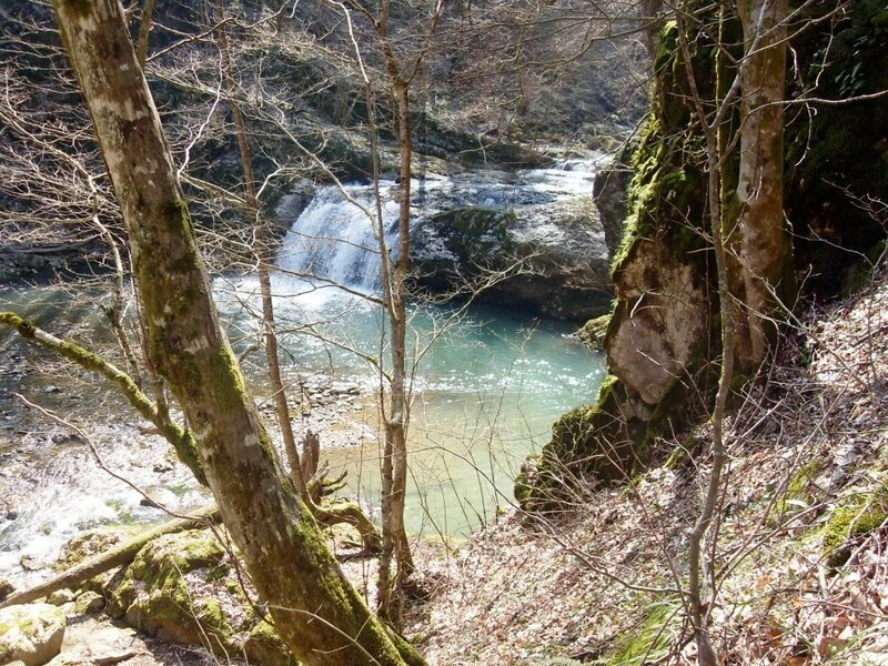 У водопада, на Каверзе