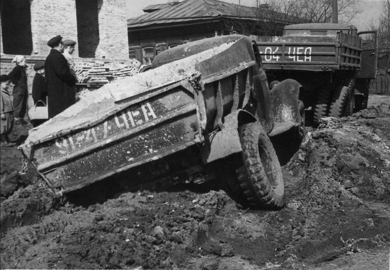 1949. Пробки на дорогах